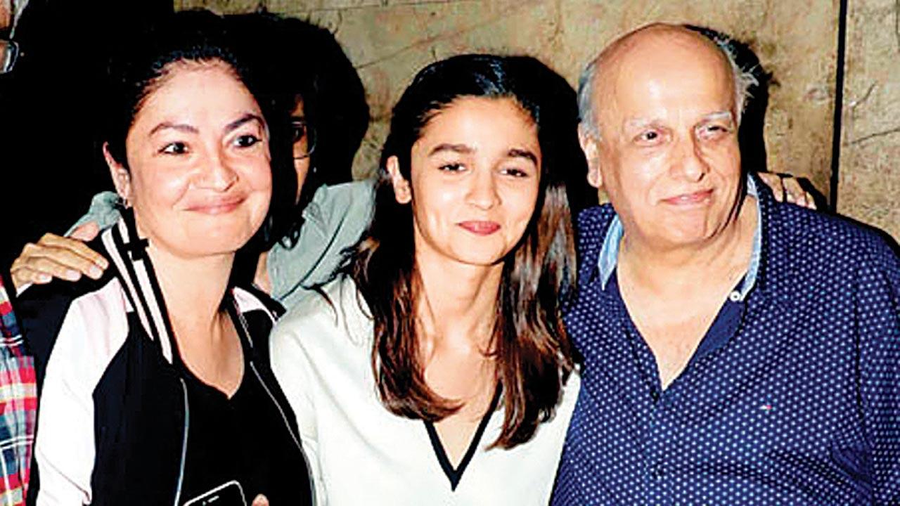 Pooja, Alia and Mahesh Bhatt