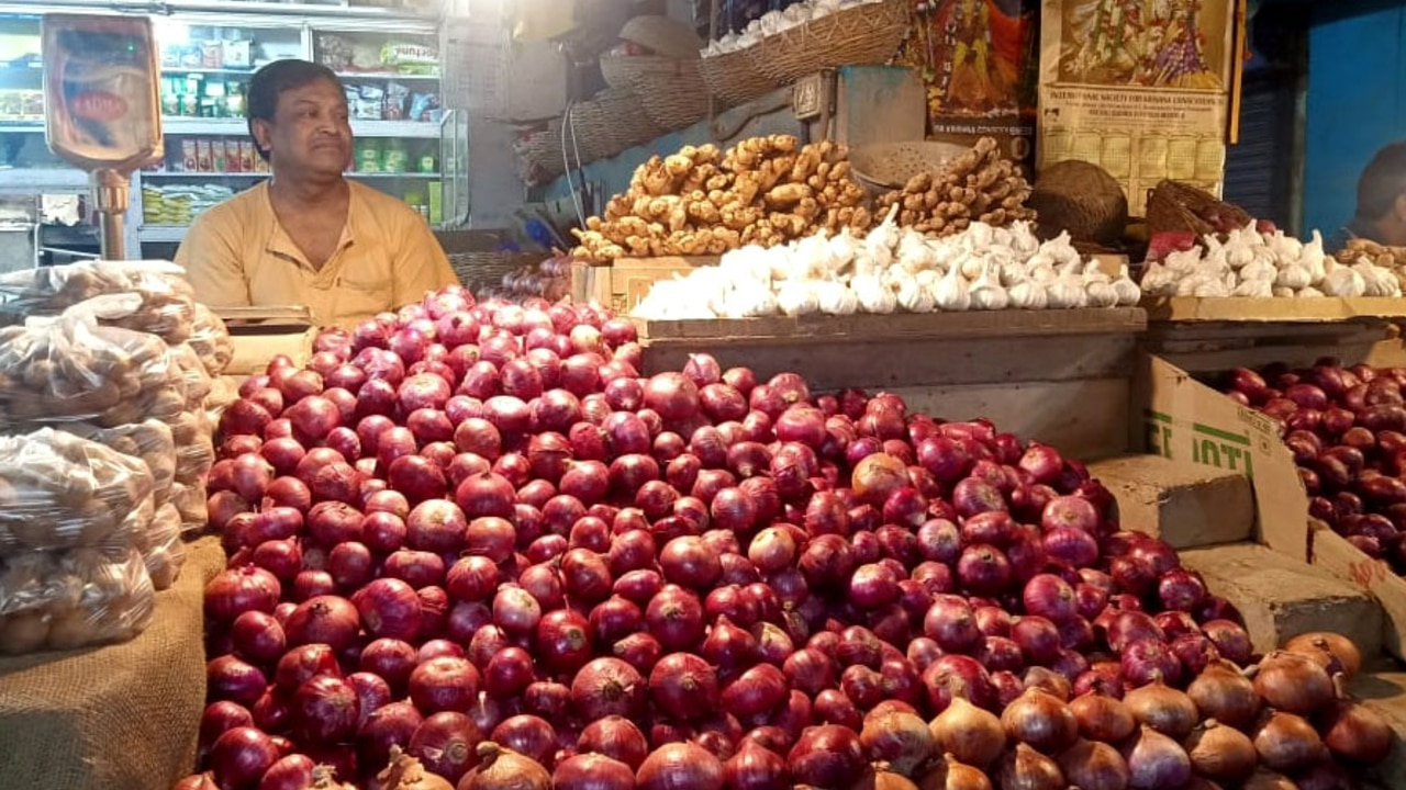 Kolkata: State govt to provide onions at Rs 50 per kg from Monday