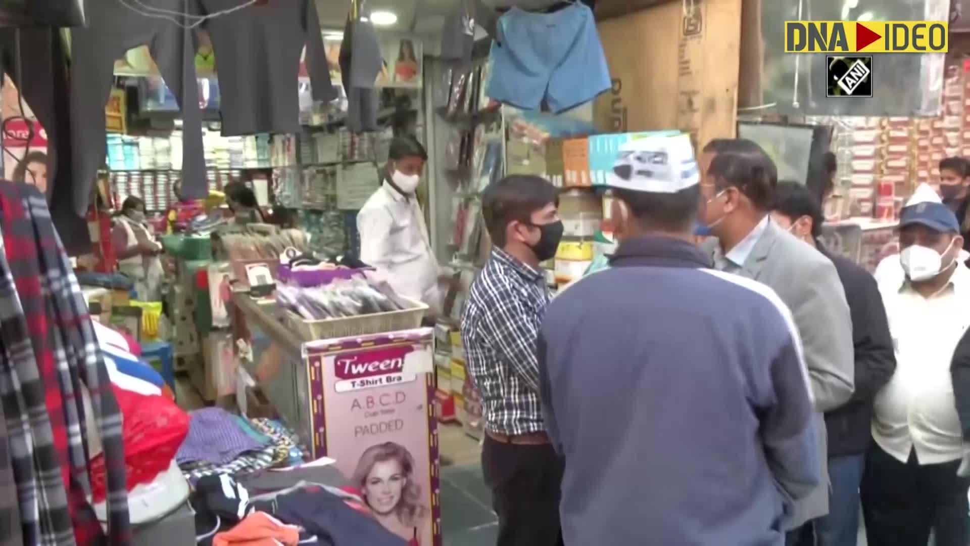 COVID-19: Satyendar Jain distributes face masks in Delhi's Shakur Basti