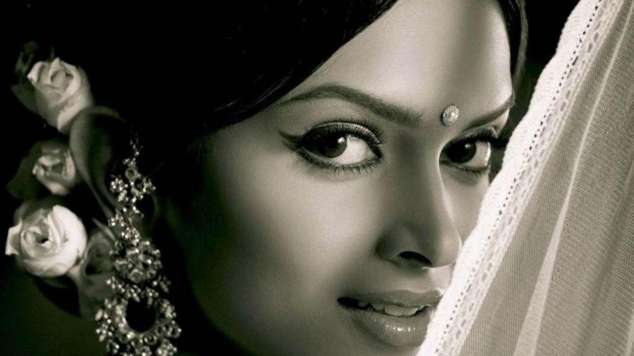 Is Deepika Padukone retorting to Sonam Kapoor's statement ...