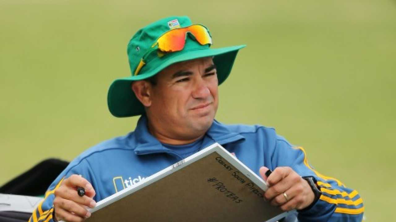 South Africa do not believe in sledging opponents, says coach Russell Domingo
