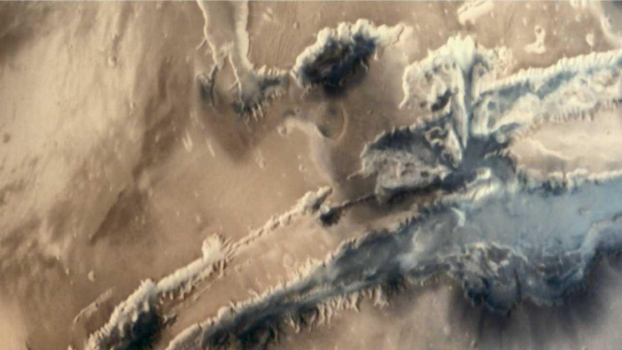 Mushroom cloud on Mars captured by Mars Orbiter Mission
