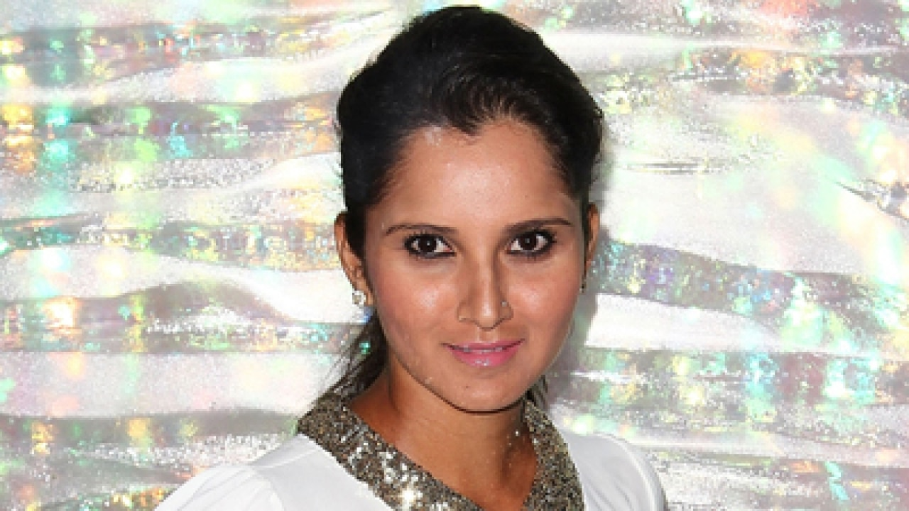 Praises galore for Sania Mirza on Twitter after becoming doubles