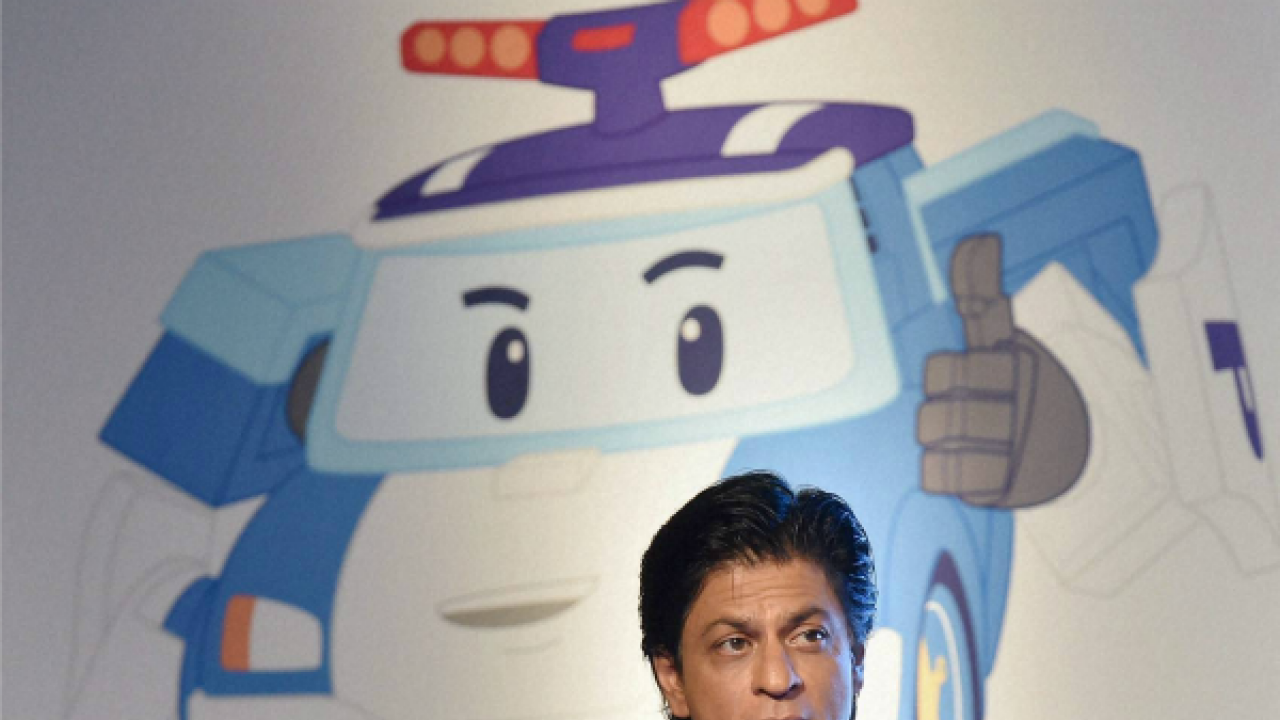 Shah Rukh Khan's advice on teaching road safety to kids is must read for all parents