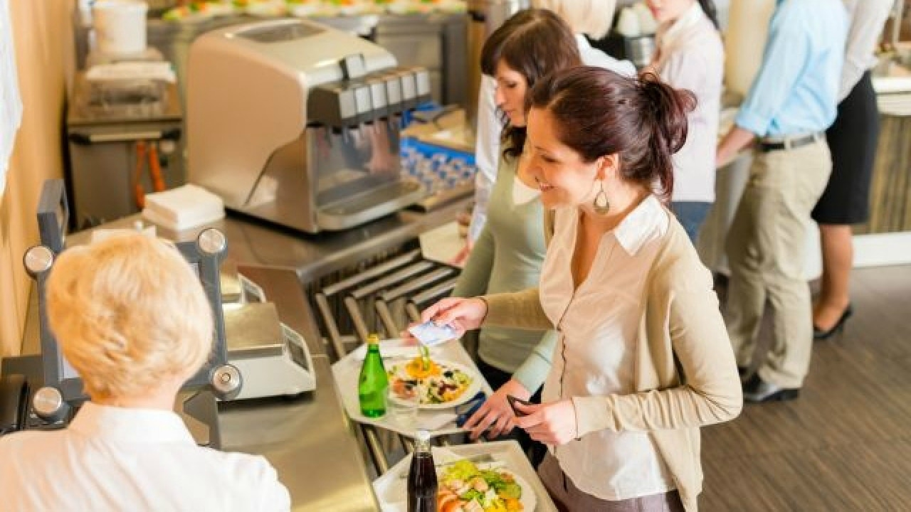 Researchers say nutritional graphs helps consumers make healthier food choices