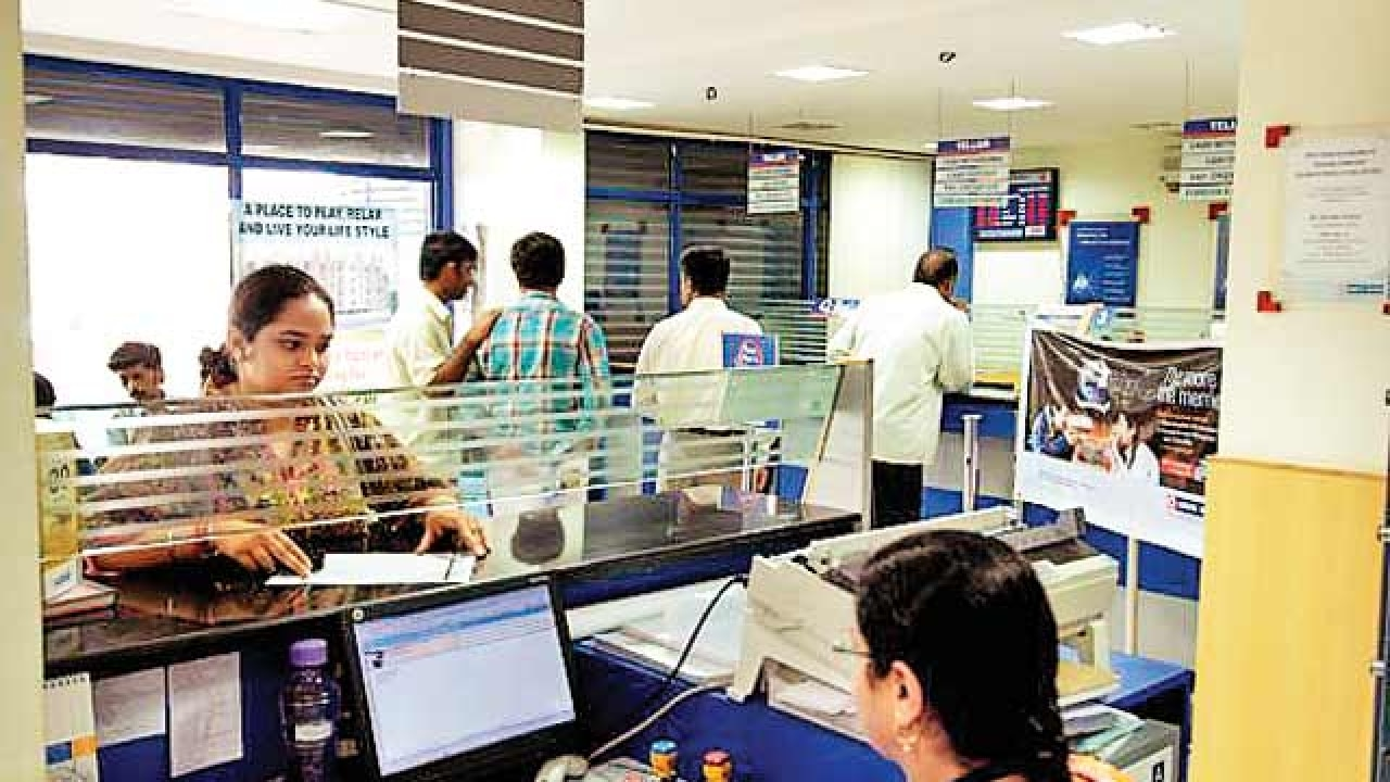 With Rs 7 lakh crore loans under stress, banks sitting on a time bomb