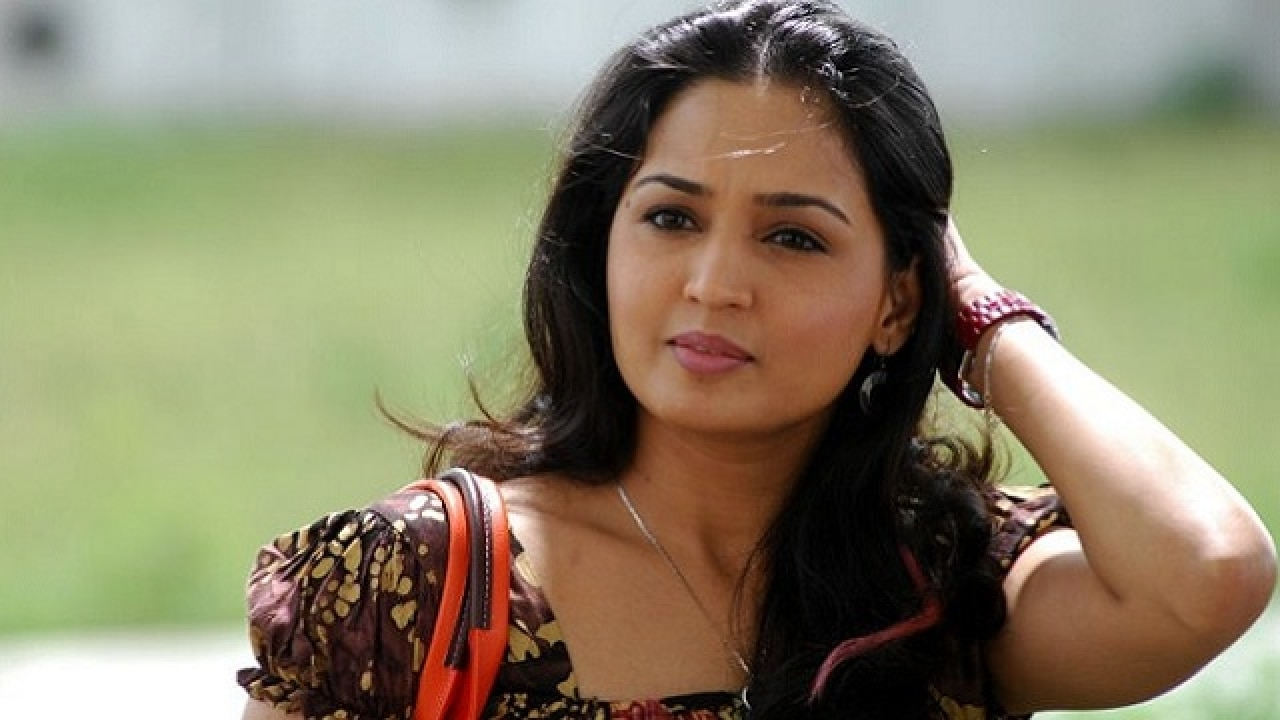 south indian actress gajala to tie the knot with tv actor faisal khan