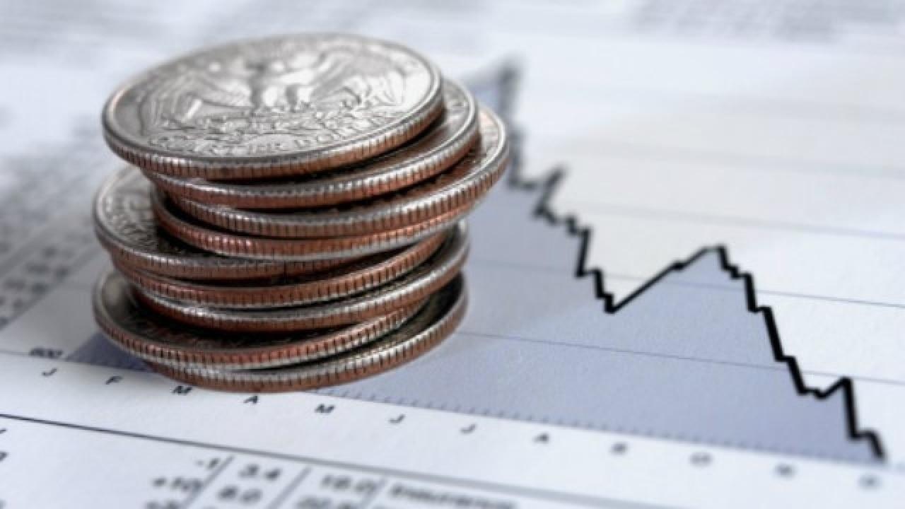 Pfizer stock down over 8%, Abbott Laboratories falls 5% on