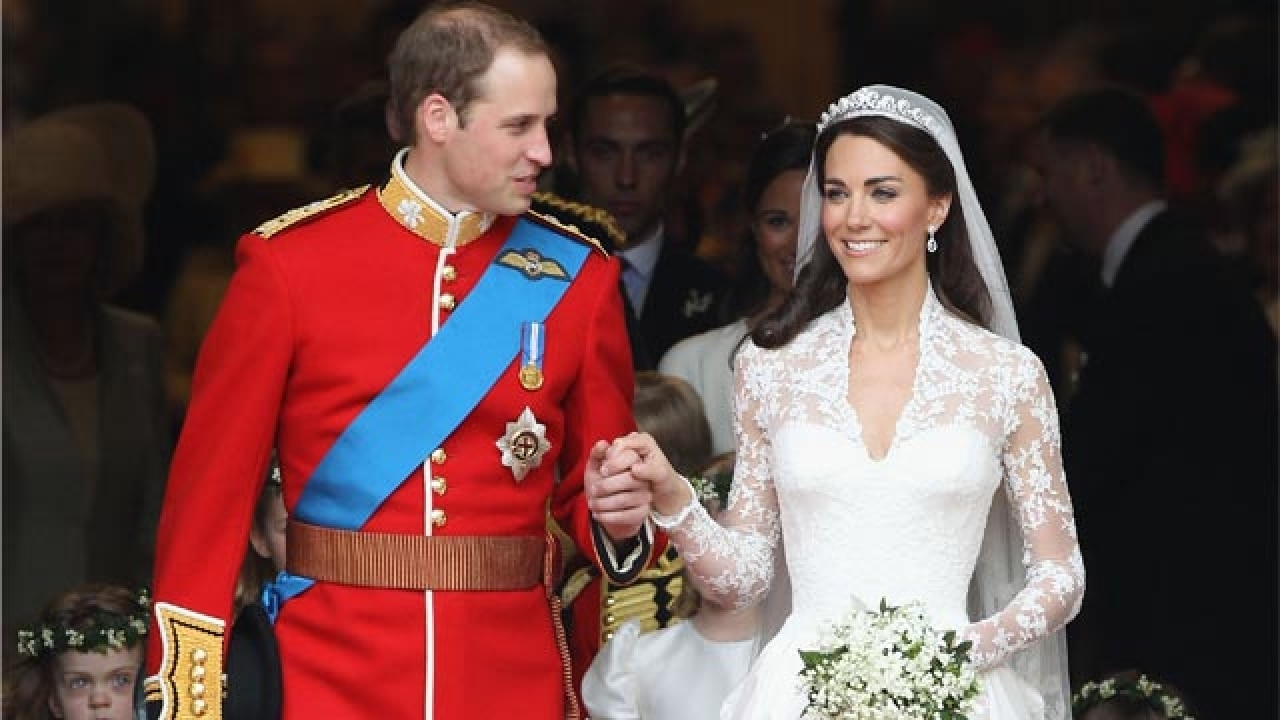 b6a2ca49ee70 Alexander McQueen sued for 'stealing' the design of Kate Middleton's iconic wedding  dress