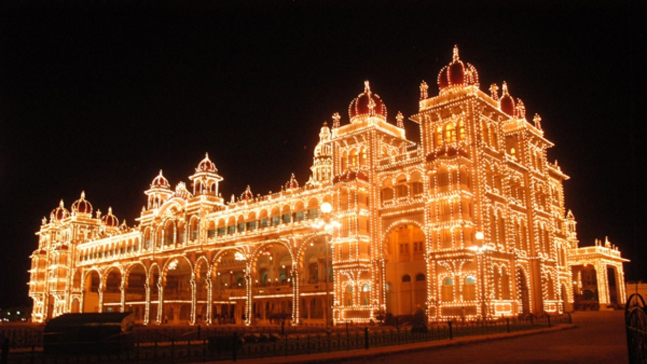 Pre-wedding photo shoot inside Mysore palace gets into trouble