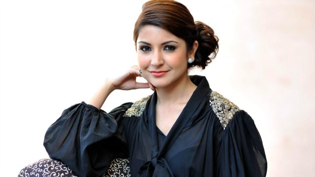 Hope more action films are offered to actresses anushka - Anushka sharma sultan images ...