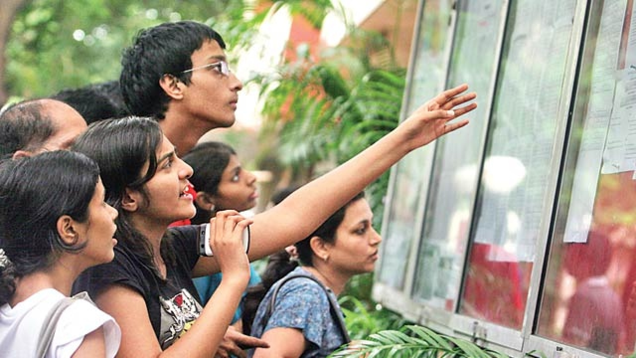 Third merit list sees arts cut-off drop to 37% in some colleges
