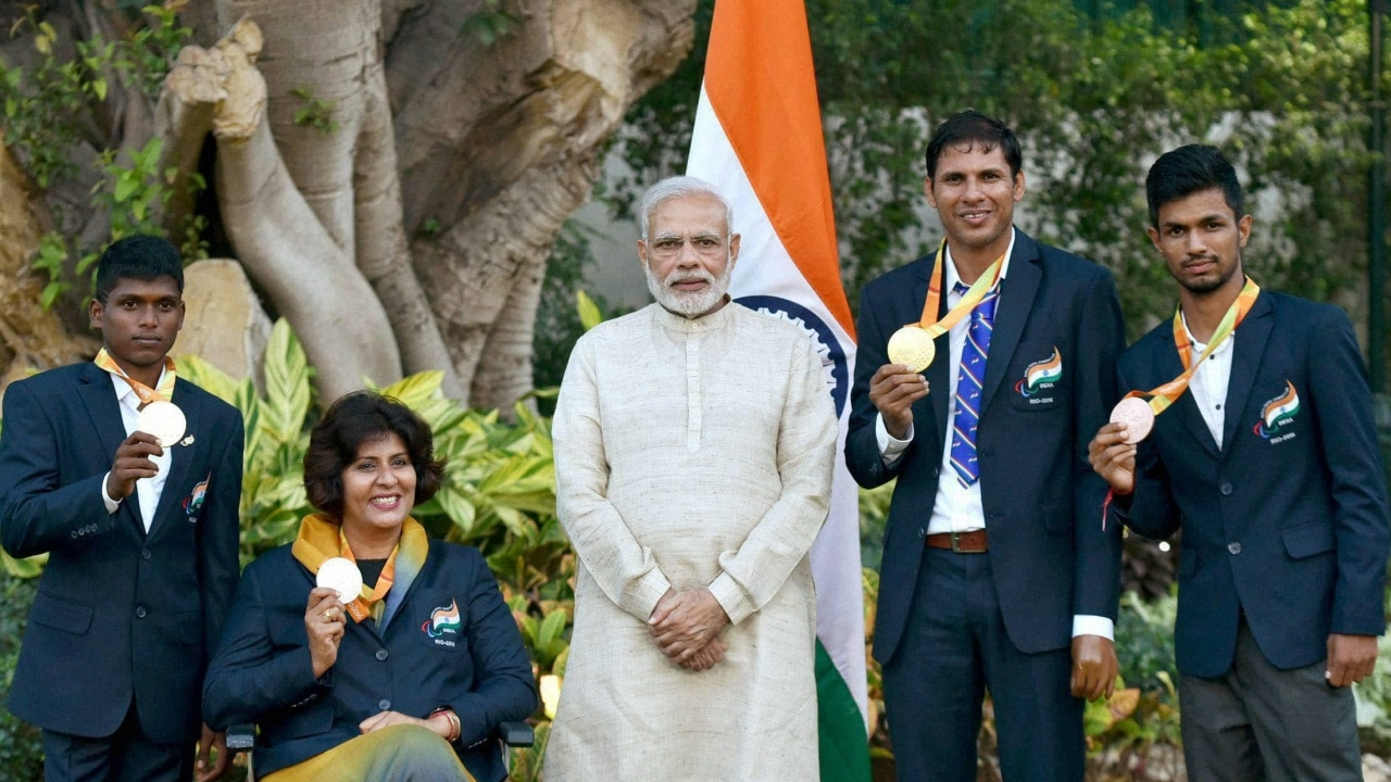 Pm Modi Meets And Greets Paralympians Who Made India Proud At Rio