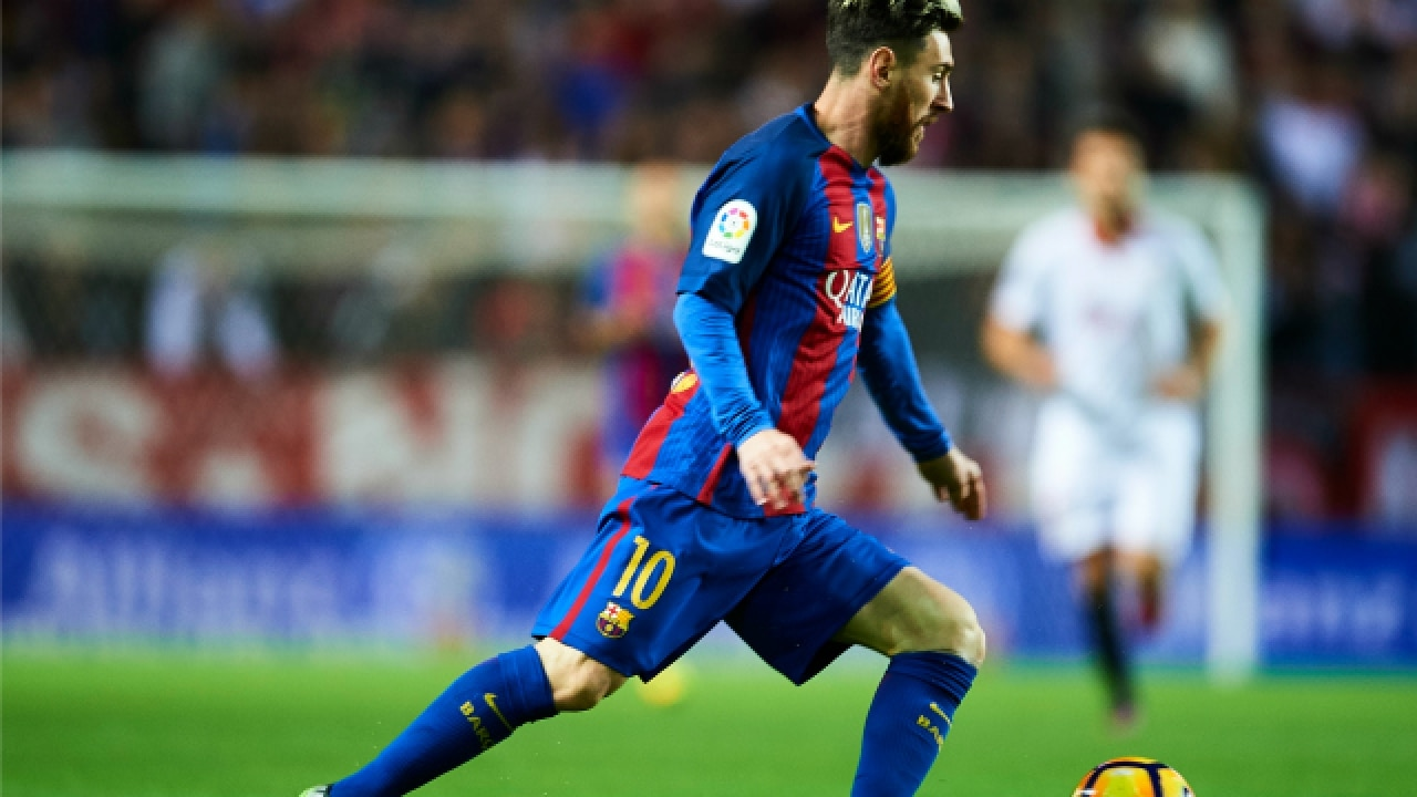 c97414882 Barcelona appeal Messi yellow card for time wasting