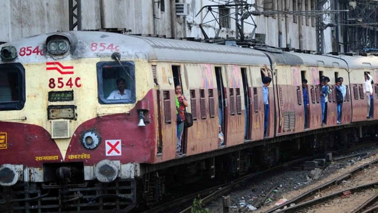 Mumbai: Alert train driver averts major accident at Diva station