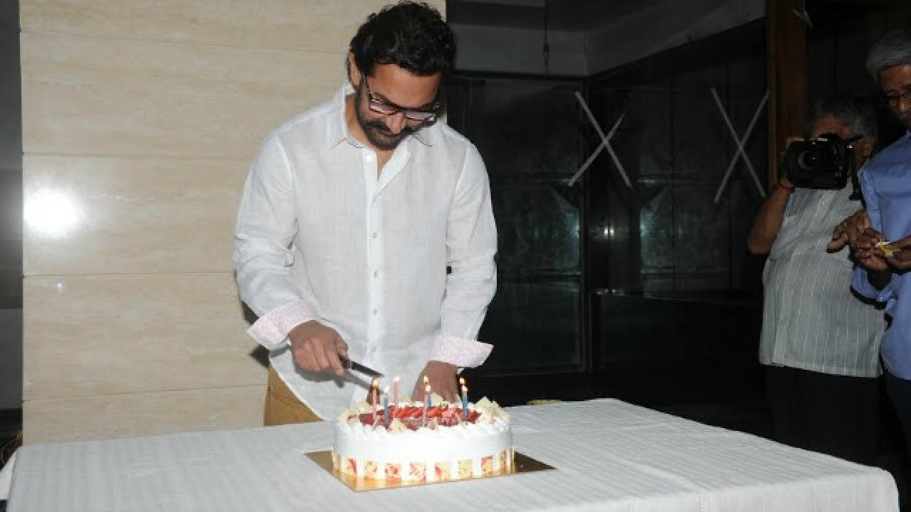 Happy Birthday Aamir Khan Check Out The Pictures From His Cake Cutting Ceremony