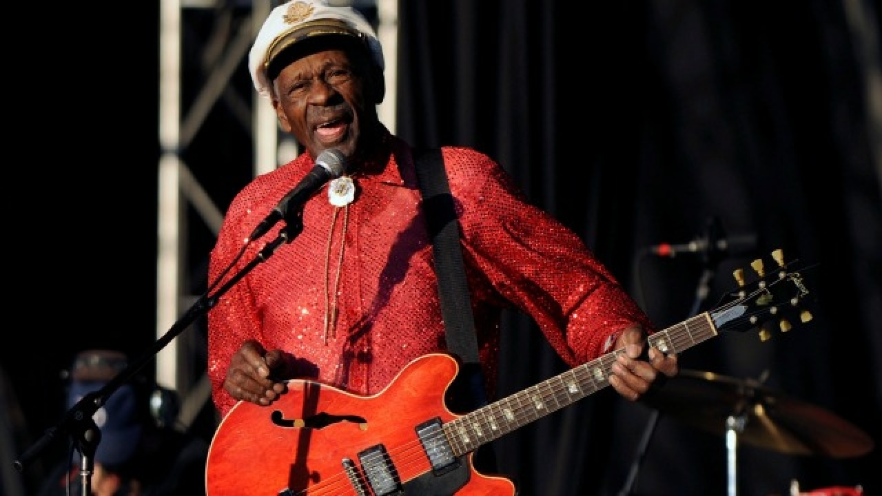 Rock 'n' Roll pioneer Chuck Berry dead at 90