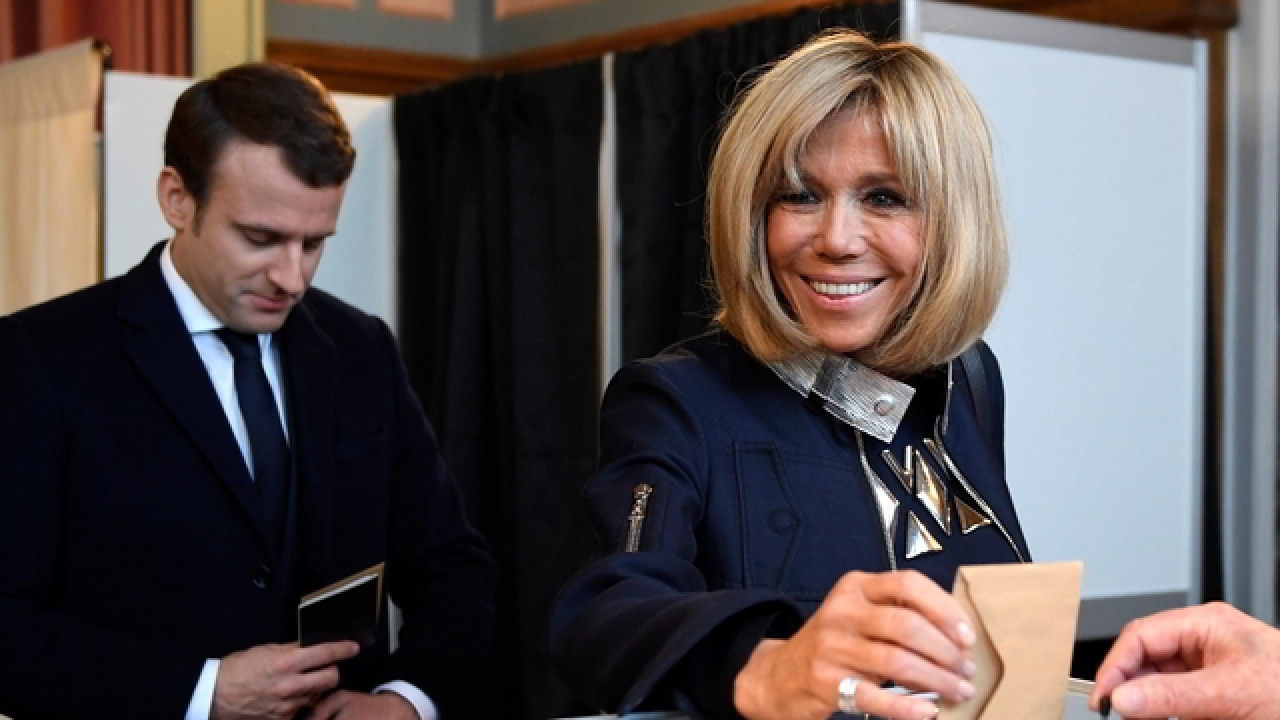 I Will Come Back And I Will Marry You How Emmanuel Macron Met His Teacher And Wife Brigitte Trogneux