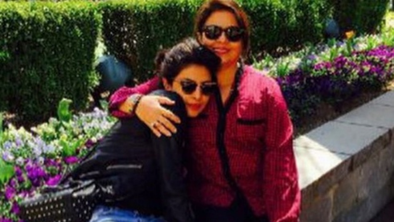 Check Picture Heres How Priyanka Chopra Wished Her Mom -9193