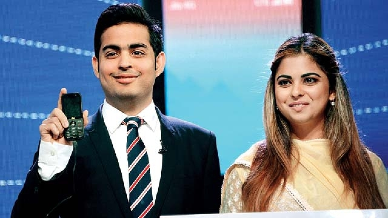 Isha Ambani with brother Aakash Ambani