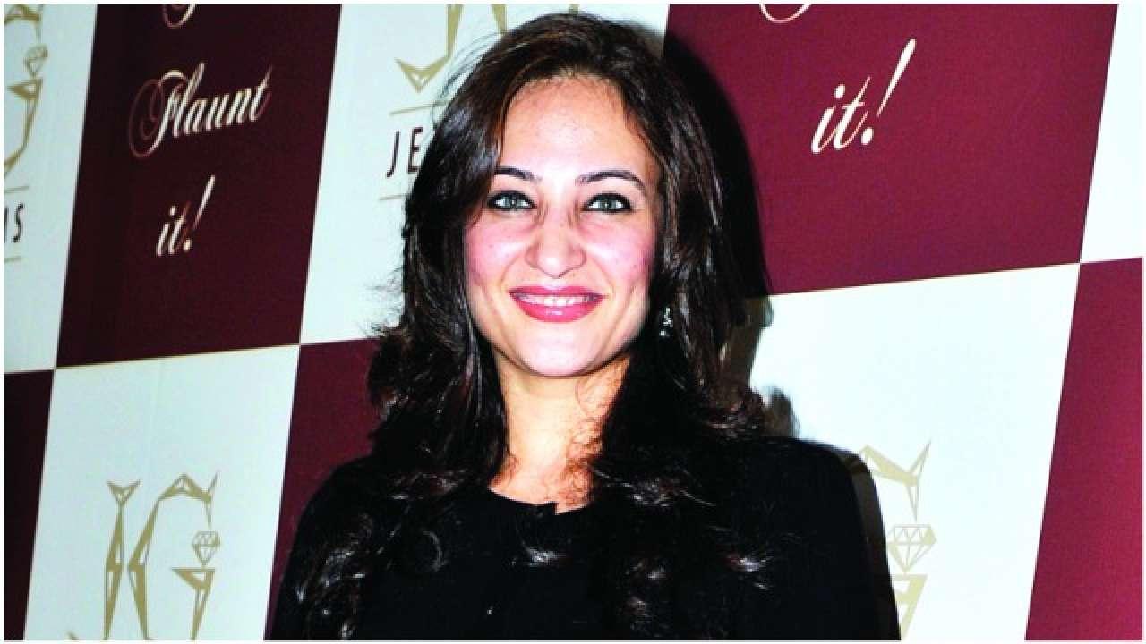 Rakshanda Khan 2000