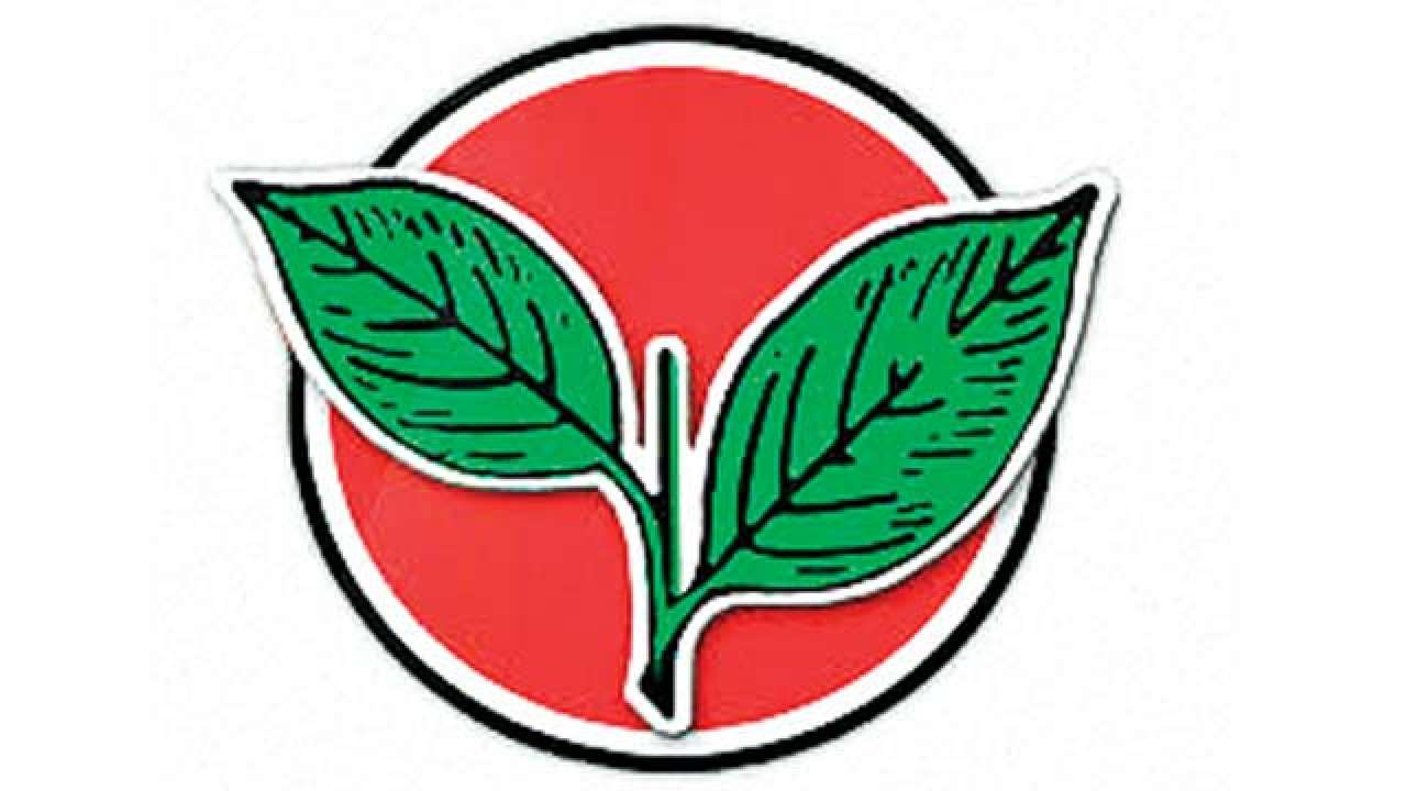 Eps Ops Win Aiadmk Party Symbol Battle