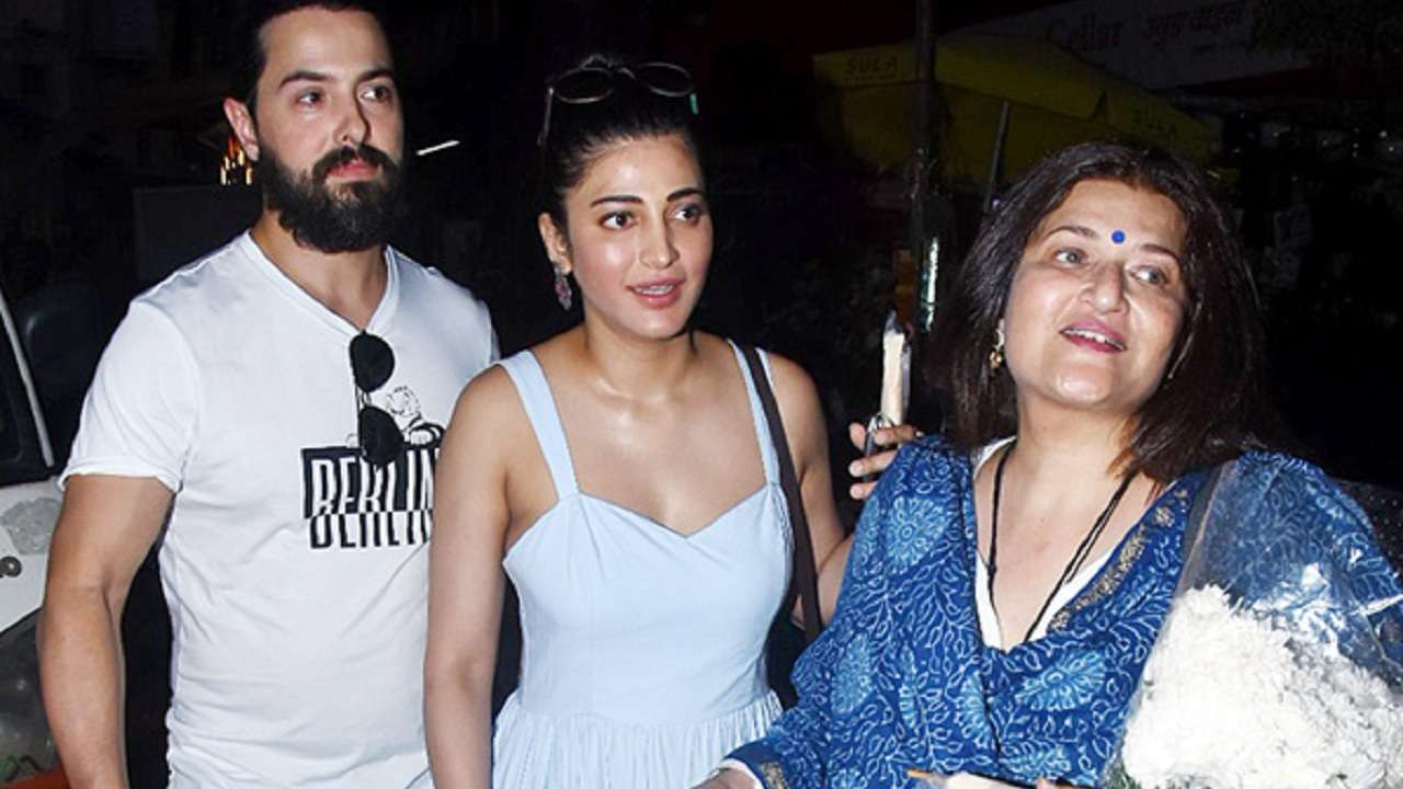 24f8940e4931 Check pics: Shruti Haasan's beau Michael Corsale meets her mom Sarika, wedding  bells to ring soon?