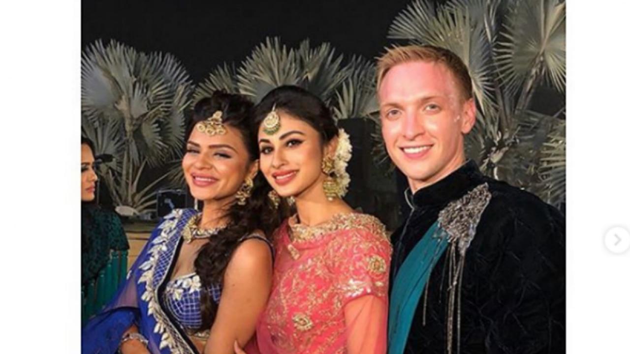 Bride's BFFs: Mouni Roy and Abgain Pandey