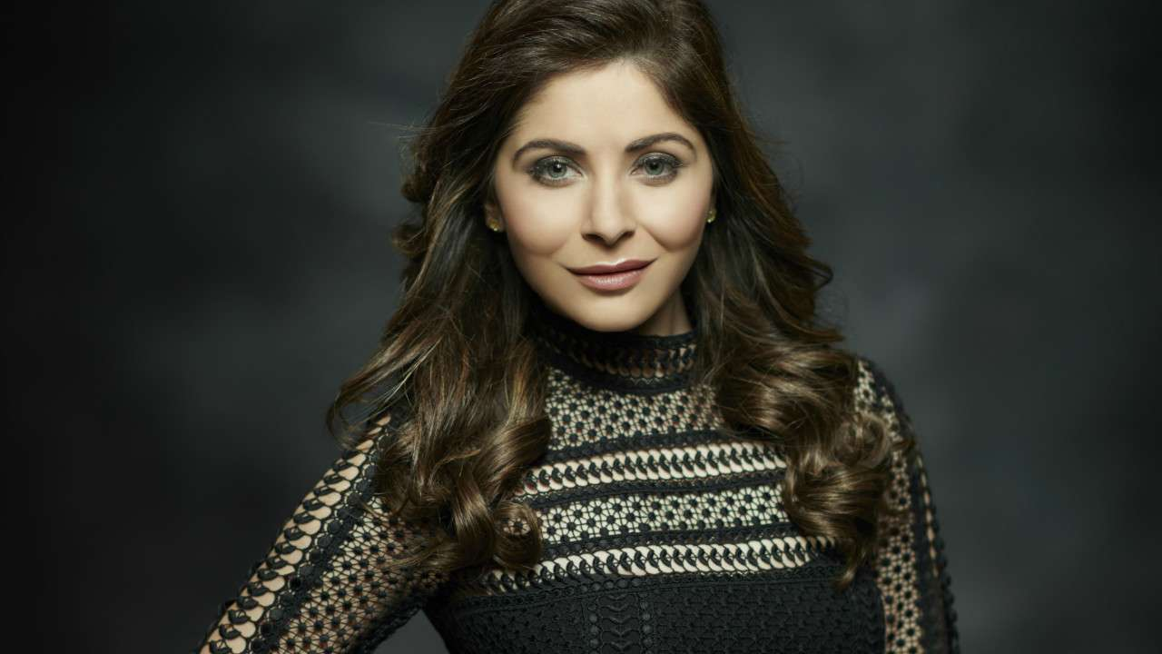 Kanika Kapoor to turn showstopper at the Dubai Fashion League!