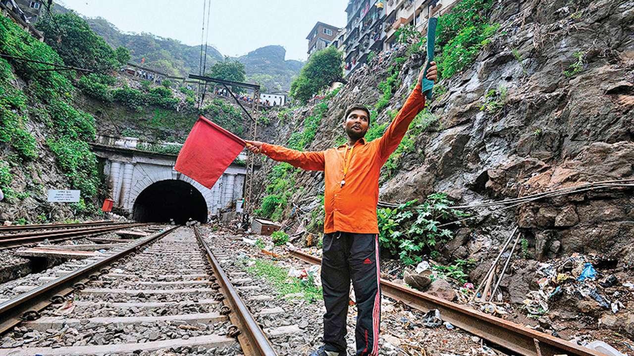 Central Railway calls tenders for Parsik tunnel repair