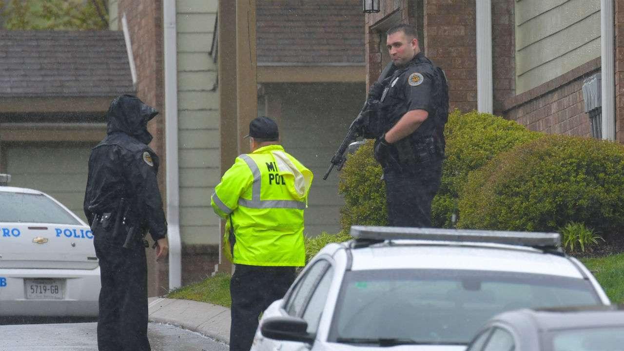 Waffle House Shooting: Police Hunt 'nearly Nude' Gunman