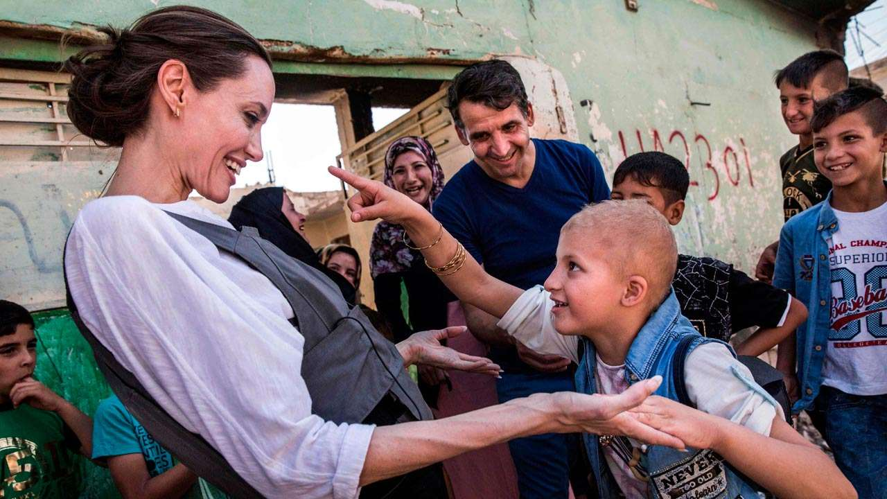 Angelina Jolie 'deeply upset' over shoe-string donations for