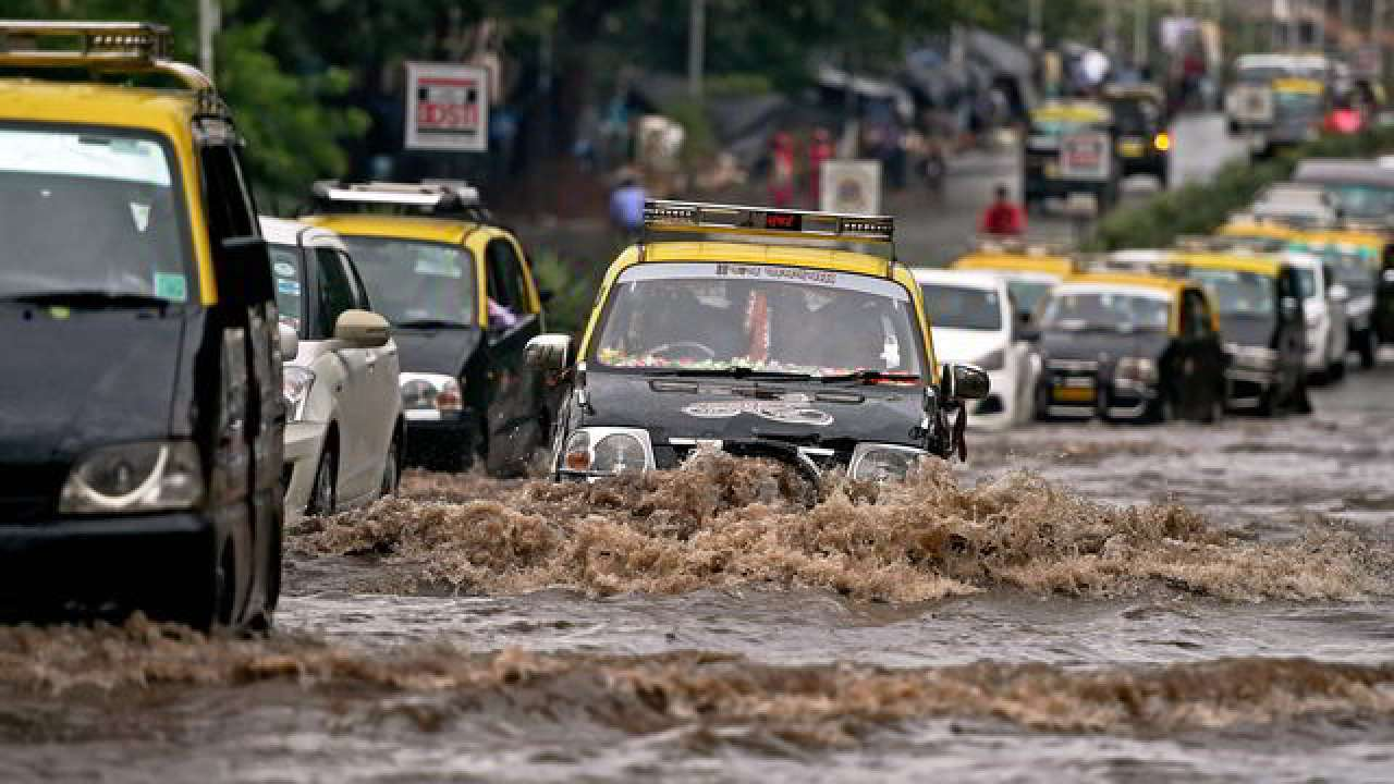 Attention Mumbai! Weather department forecasts heavy rain in weekend