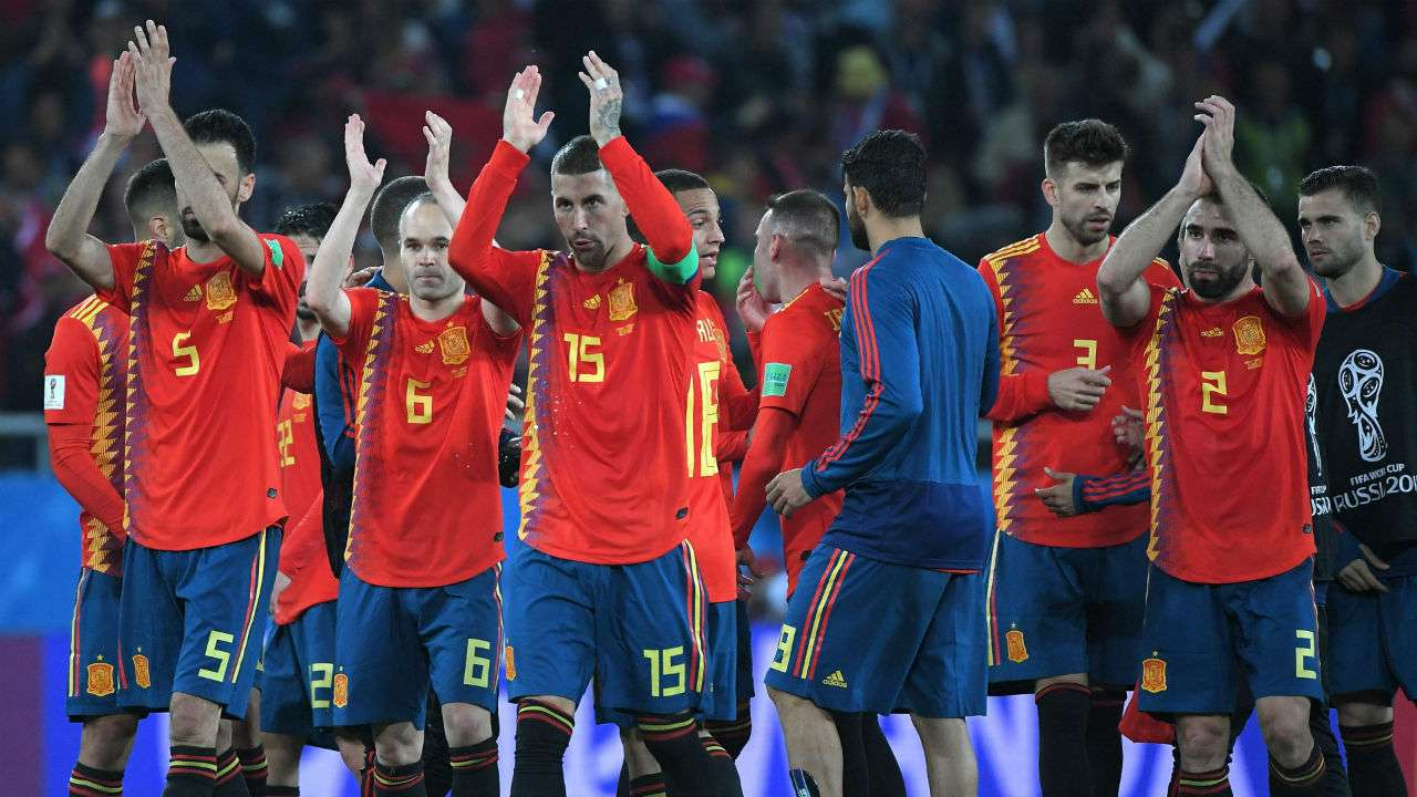 487f00d191e FIFA World Cup 2018  Spain snatch 2-2 draw with Morocco to top group