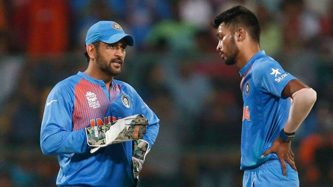 See Pic Hardik Pandya Gives Ms Dhoni A Special Haircut On Birthday