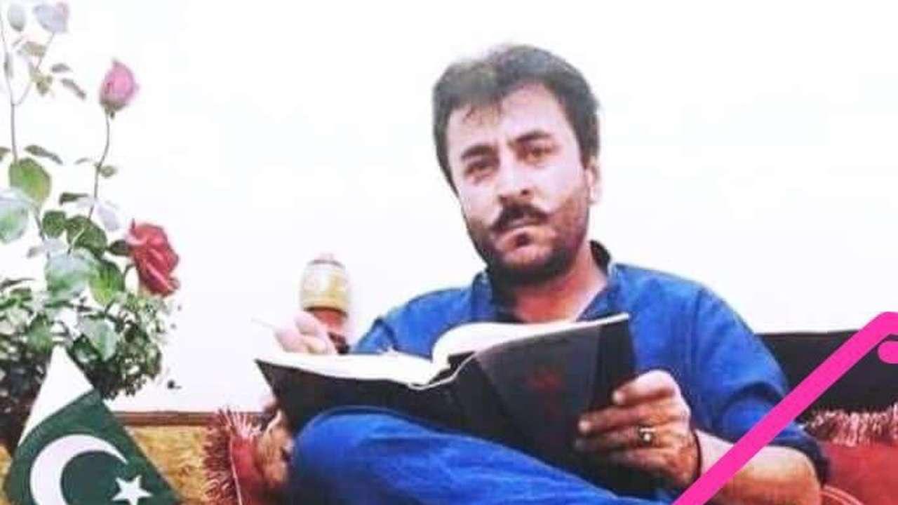 2d9b88ba8f2 Pak Army spokesperson insults Indian flag after Balochistan blast that  killed 130