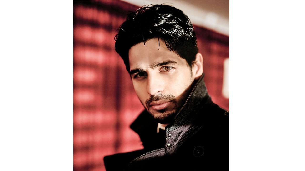 Now Playing: Sidharth Malhotra shows off the season's best looks