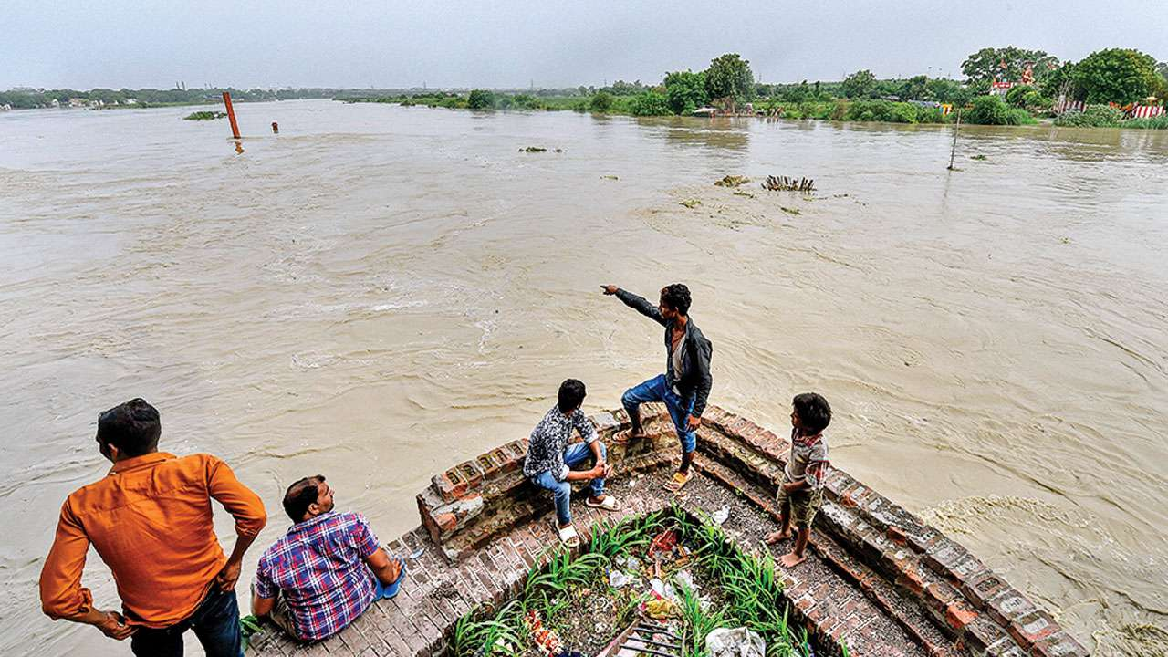 Delhi: Yamuna at 205.72 metre, breaches danger mark again