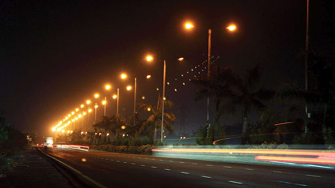 BEST plans to replace 1500 corroded street lamp poles across Mumbai