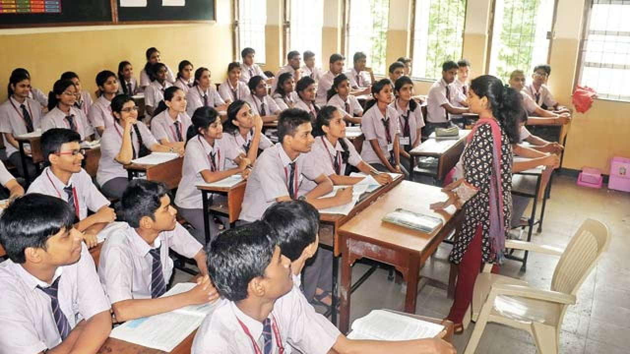 Happy Teachers' Day: WhatsApp and Facebook messages to send
