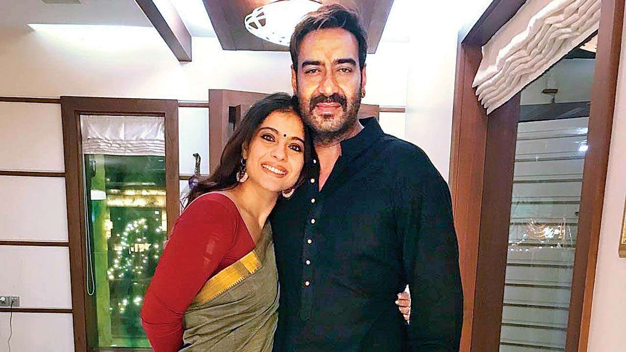 Ajay Devgn shares Kajol's Whatsapp number on Twitter and the netizens are  having a field day!