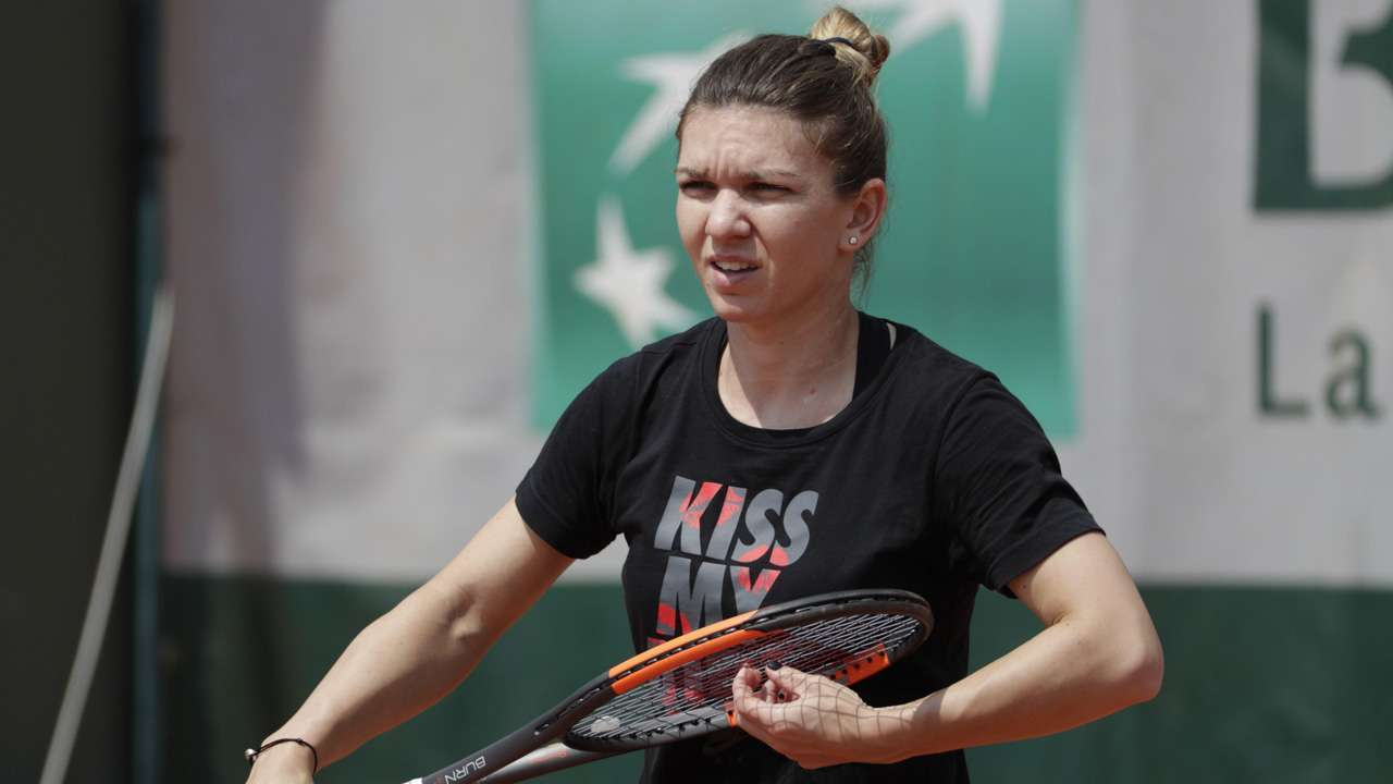 Simona Halep retires in first round of China Open