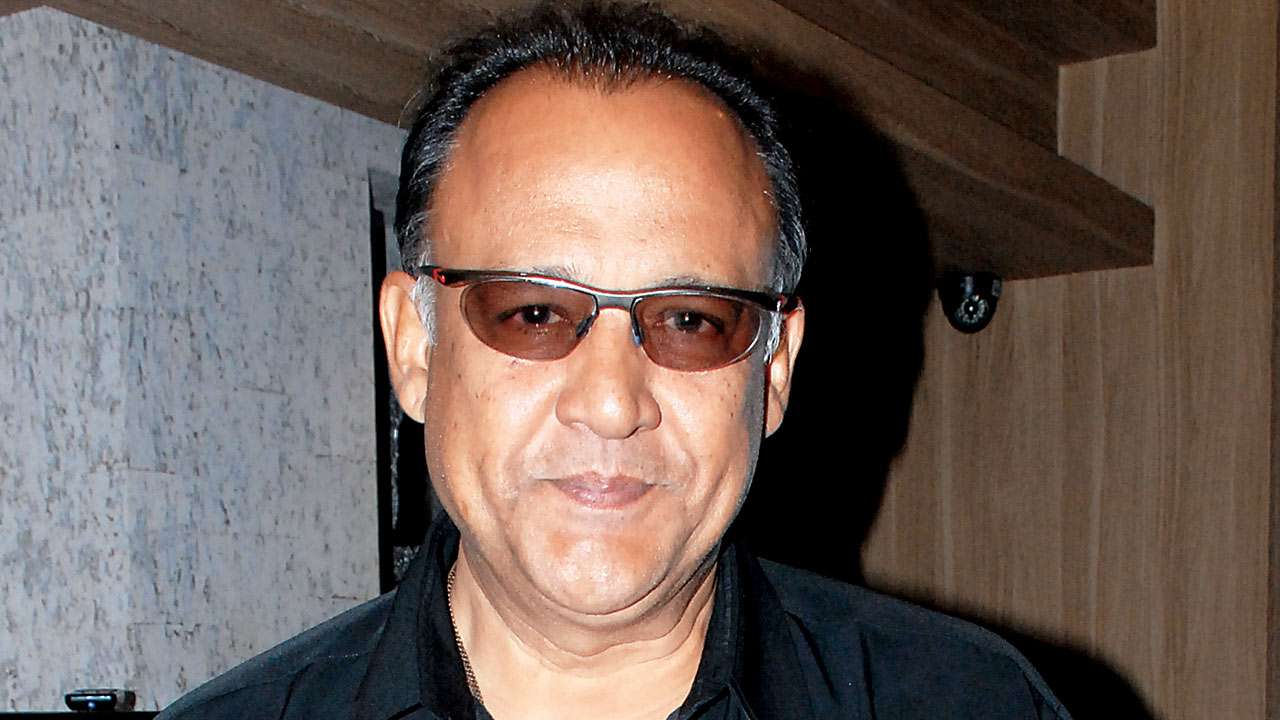 #MeToo: Alok Nath's wife files defamation case against fillmaker who accused him of rape thumbnail