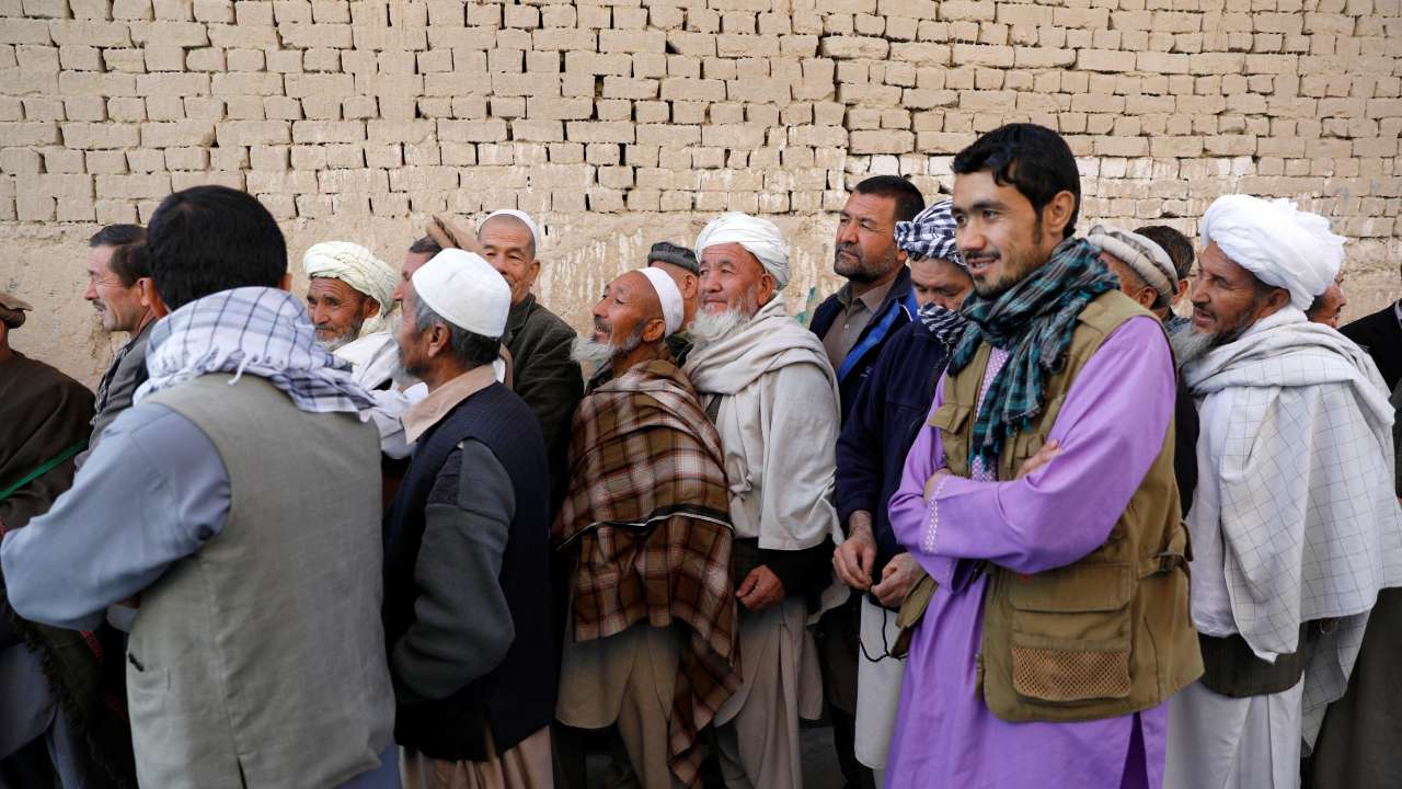 Afghans vote for parliamentary elections amid chaos