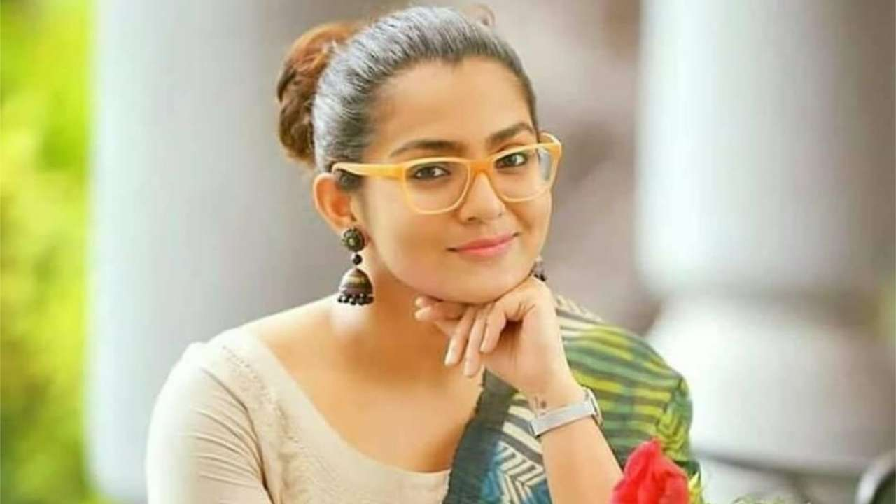 Image result for parvathy thiruvoth