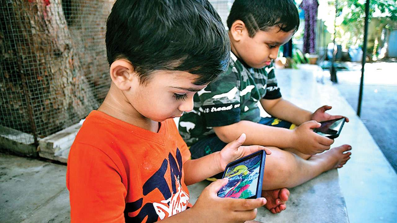 This family stopped using mobiles at home