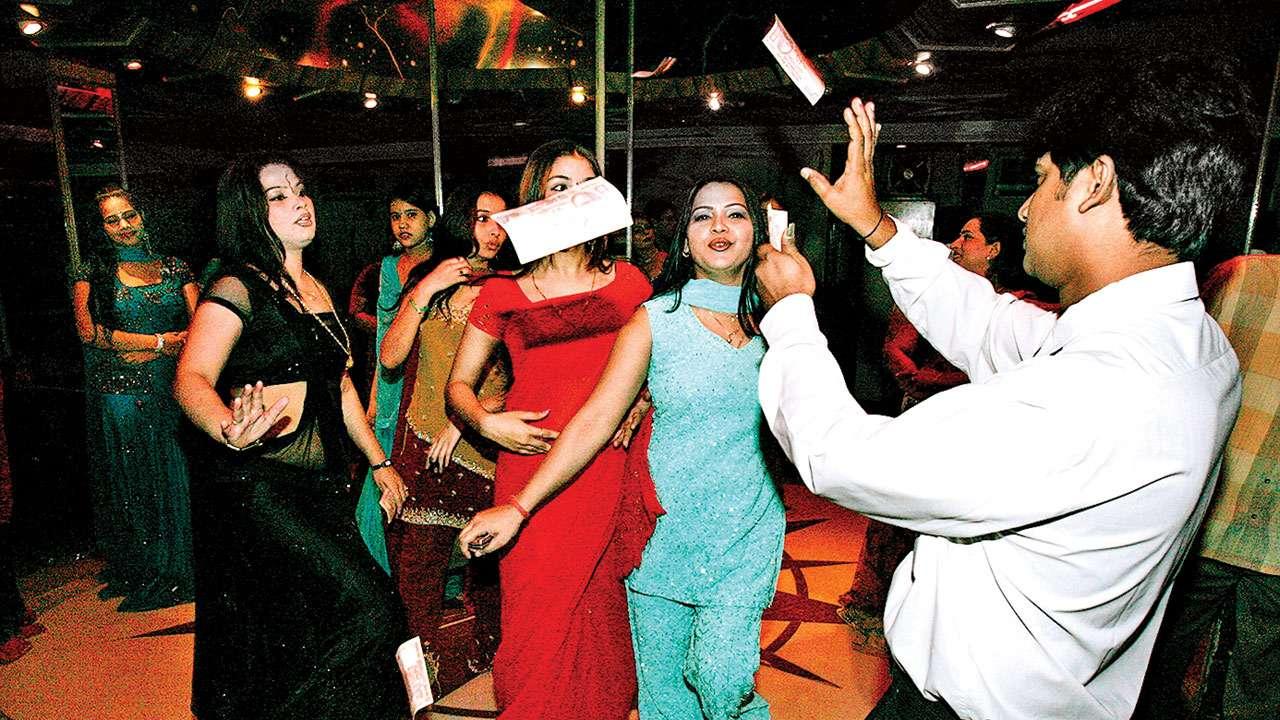 Dance bar ban: Maharashtra government to seek Opposition's help