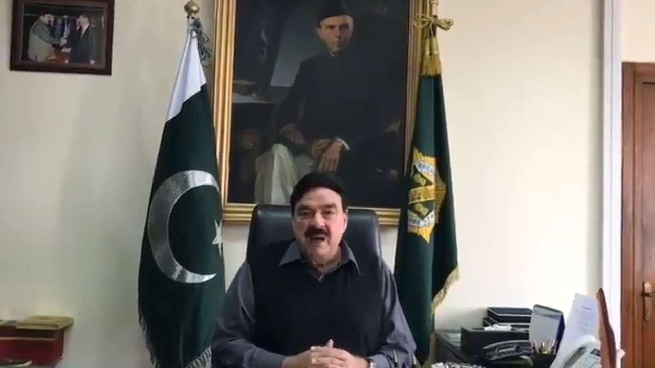Pak minister Sheikh Rashid Ahmad threatens to silence temple bells in India