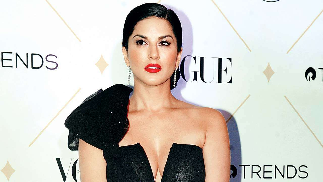 Sunny Leone's savage reply to hater who said 'An adult star's retirement plan is Bollywood' is unmissable