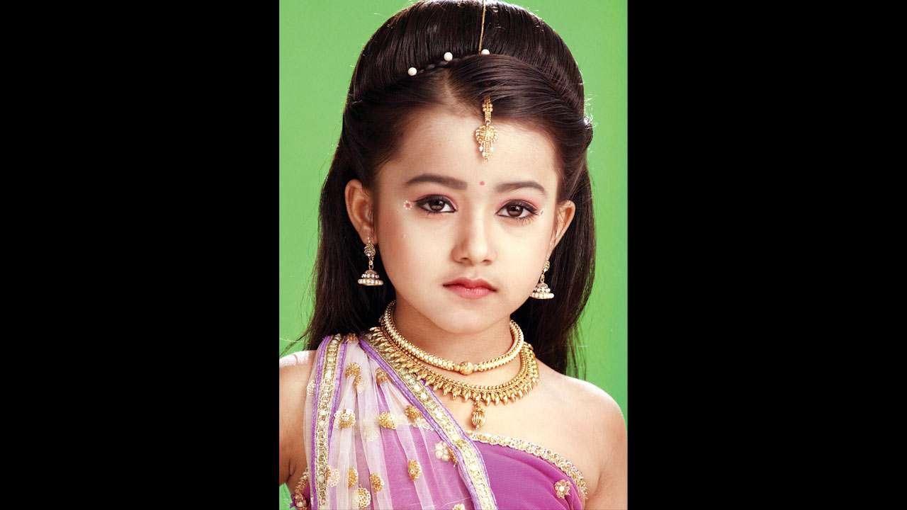 SCOOPS: Salman Khan to launch Mahesh Manjrekar's daughter in Dabangg